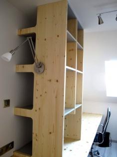 Fabrication d'un bureau sur mesure dans le 64