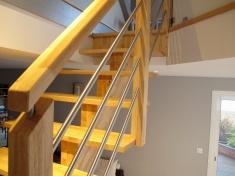Escalier limon central HEVEA et INOX
